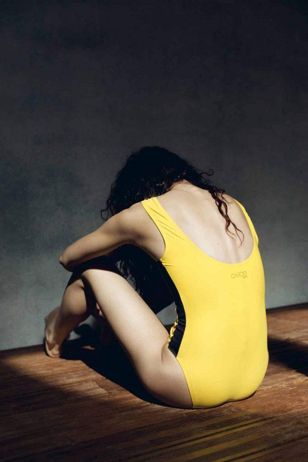 Maillot de bain une piece jaune ganse noire - CARDO Paris - 1