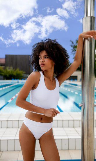 Maillot de bain Le Triple culotte blanche CARDO Paris piscine swimwear joli élégant confortable français deux-pièces crop top