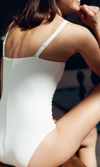 Maillot de bain bustier une pièce avec bretelles amovibles blanc - CARDO Paris - 2