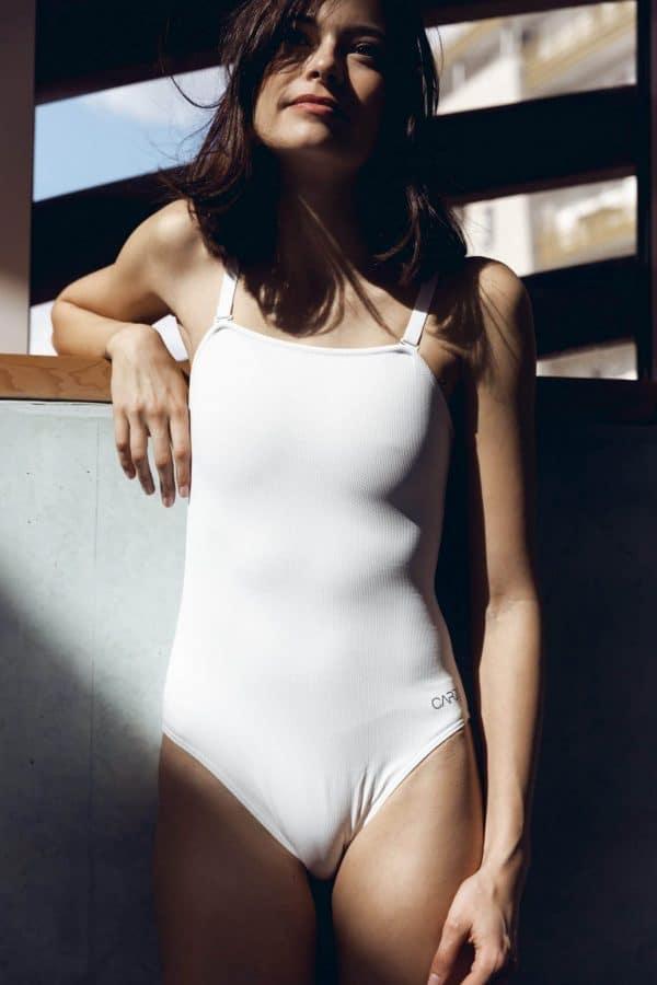Maillot de bain bustier une pièce avec bretelles amovibles blanc - CARDO Paris - 1