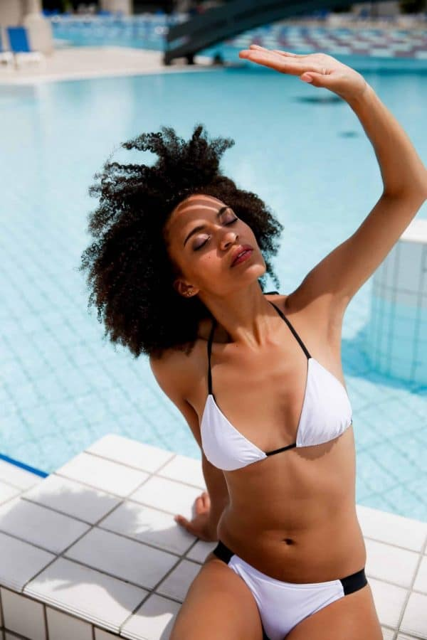 Maillot de bain RIKIKI triangle culotte blanche CARDO Paris piscine swimwear joli élégant confortable français